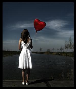 girl_heart_balloon